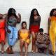Creëer de beste outfits met kleuren voor een bruine huid   Fashion Trends