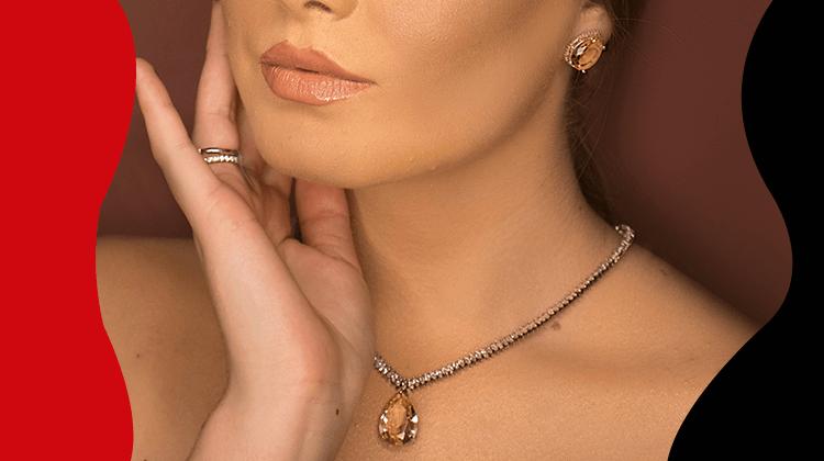 Fashion trends - Hoe voeg je luxe sieraden toe aan elke outfit zonder het te overdrijven?